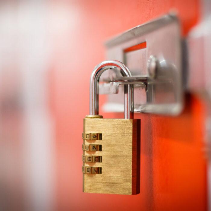 Szyforowanie, bezpieczeństwo informacji i atrybuty poradnik PBSG zarządzanie informacją